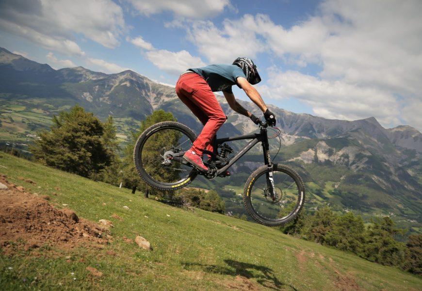 Vtt_de_descente_Bike-Park_Grand-Puy