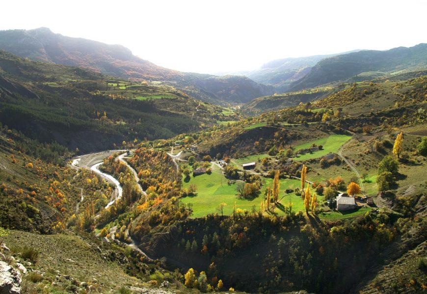 Barles vallée du Bès vue du Château